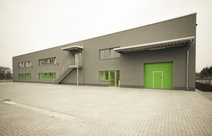Lagerhallen   Büroflächen   Freiflächen